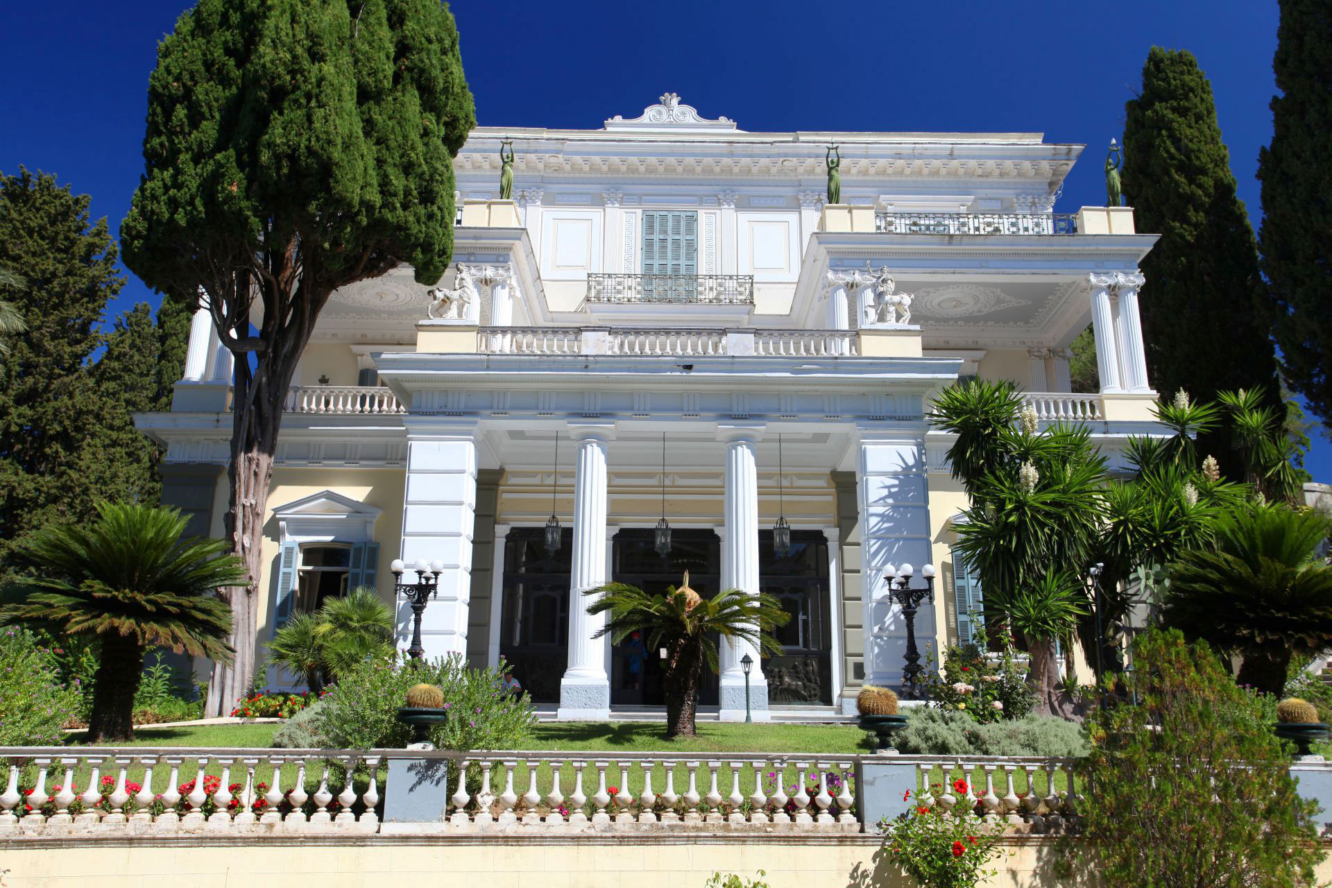 chondrogiannis tours corfu sightseeings achilleion palace